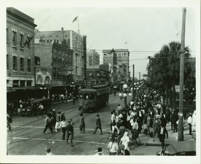 Pedestrians on Franklin Street in Downtown Tampa, 1922